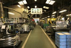 新開製作所工場内風景